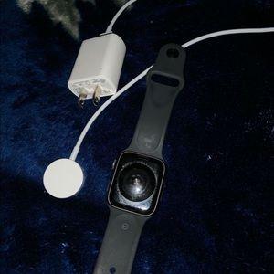 (Read description)Apple watch series 4